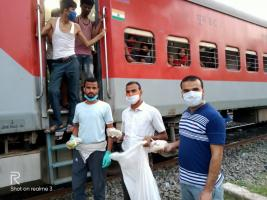 Everyone should know this story: how the people of Begusarai started relief operations in labor special trains